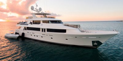 yacht, luxury yacht, working on a yacht, how to get a job on a yacht